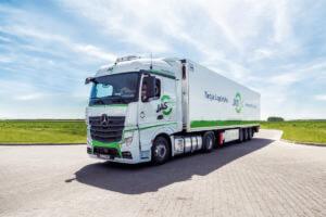 Ciągnik i naczepa - podstawowy zestaw umożliwiający transport drogowy krajowy i zagraniczny