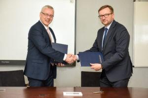 Podpisanie umowy o współpracy dr Krzysztof Koj, Dziekan Wyższa Szkoła Bankowa w Chorzowie; Jarosław Domin – Prezes Zarządu JAS-FBG S.A.